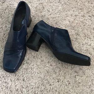 Navy Blue Gianni Bini Leather Shoe (worn once)